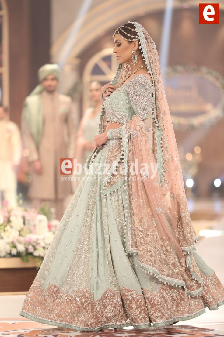 Wedding dress in simply style pakistani 2018