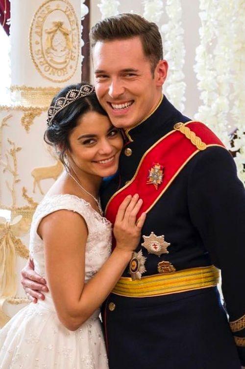 Netflix Film The Princess Switch Fortsetzung Wedding Movies Princess Movies Vanessa Hudgens Movies