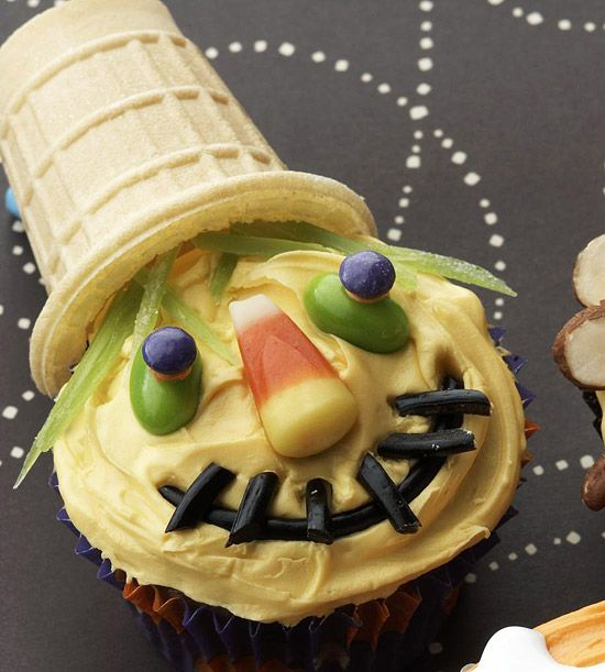 scarecrow cup cake