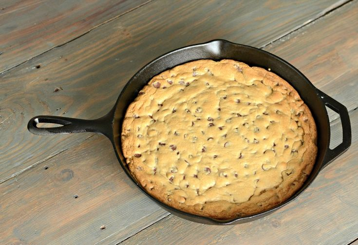 Chocolate Chip Skillet Cookie   Decor and the Dog