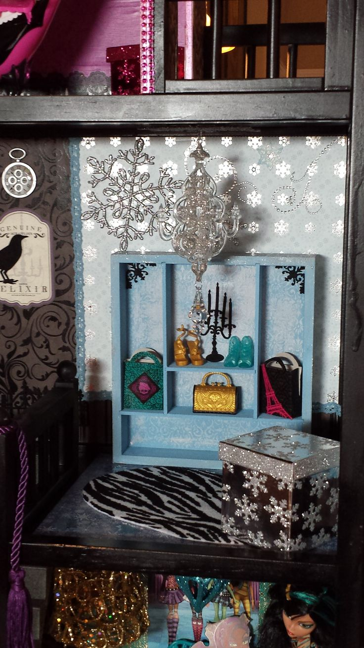 pin by jenny herrington on monster high dollhouse pinterest. Black Bedroom Furniture Sets. Home Design Ideas