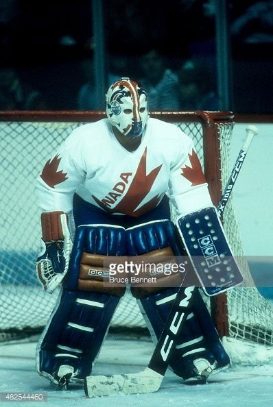 goalie-grant-fuhr-of-team-canada-defends-the-net-during-the-1984-cup-picture-id482544460 (398×594)