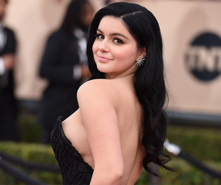 She became a house hold name at the tender age of eight for her adorable performance as Alex Dunphy in Modern Family. The girl is now a beautiful 19 year old, trying to get a foothold in the big bad world of Hollywood.