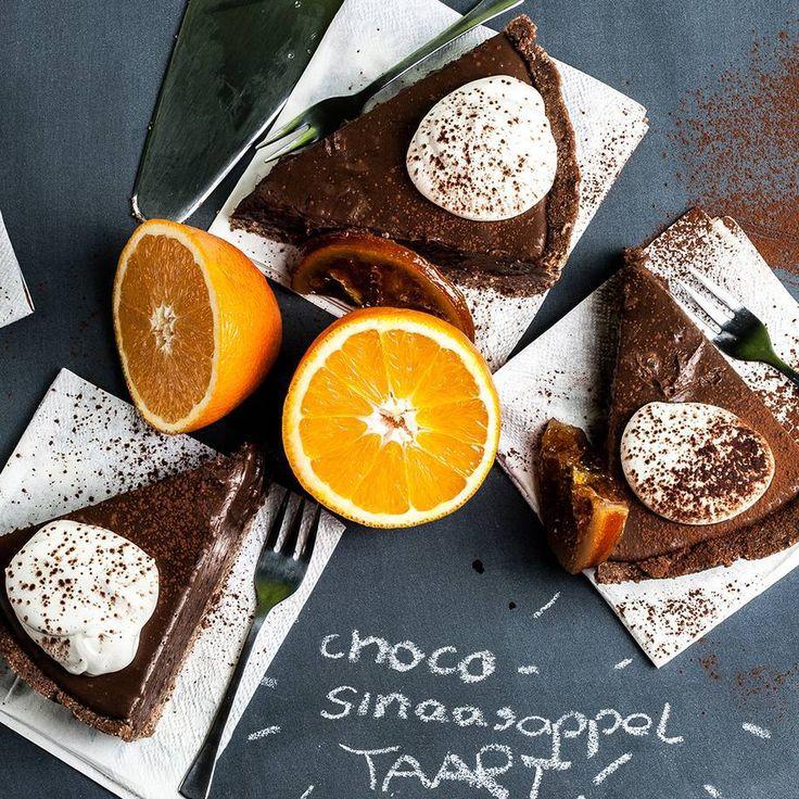 Met deze taart maak je geheid indruk: de combinatie van chocolade en sinaasappel is een echte klassieker. En de oven? Die kan je voor deze taart gewoon uit laten.