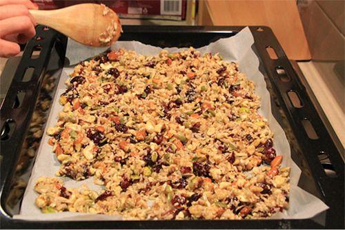Madi Robinson's paleo and gluten free granola #paleo #glutenfree #breakfast #healthy #granola