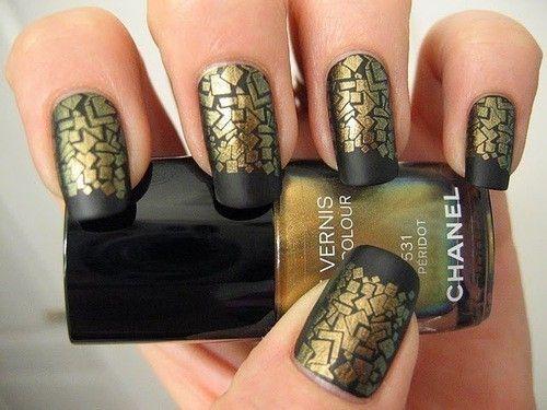 Chanel Gold and matte black...seriously love this!Matte Nails, Nails Polish Art, Gold Nails, Nailart, Nails Design, Black Nails, Matte Black, Black Gold, Nails Art Design
