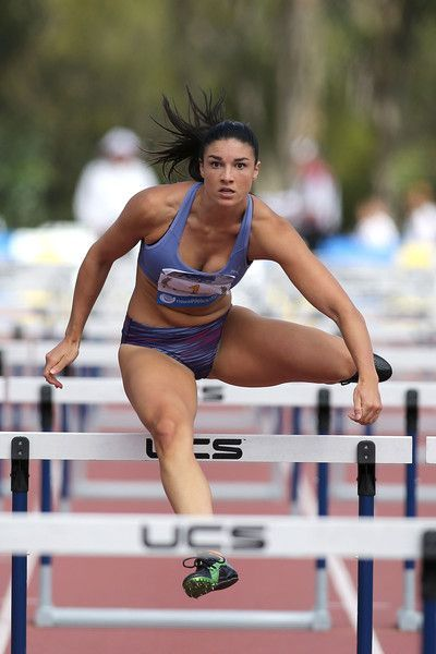 Michelle Jenneke Photos - Michelle Jenneke of NSW competes in the womens 100 m hurdles during the IPC Athletics Grand Prix on February 6, 2016 in Canberra, Australia. - IPC Athletics Grand Prix