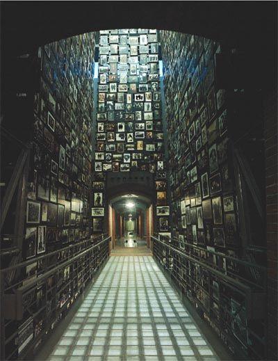 Holocaust Memorial Museum, Washington, DC