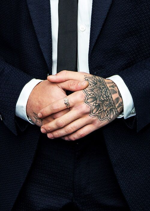 Zayn's hands are just