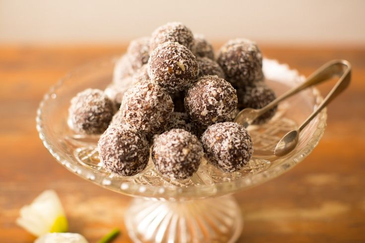 A fantastic alternative to chocolate, the avours in this recipe are beautifully balanced between the sesame and cinnamon.