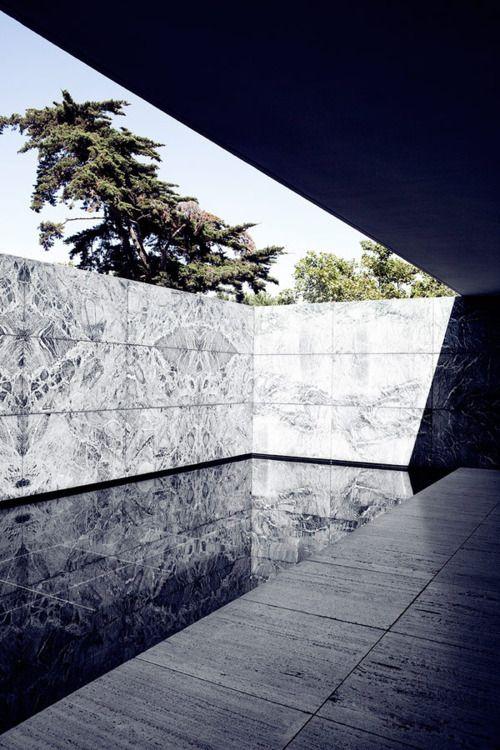 Barcelona Pavilion by Mies Van de Rohe