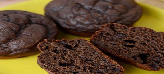 muffin de chocolate no micro dukan Ingredientes  8 colheres (sopa) de água 1 colher (sopa) de cacau em pó (light) 1 colher (sopa) de adoçante em pó culinário 2 colheres (sopa) de PIS (Proteína de soja isolada) 2 colheres (sopa) de leite em pó desnatado 1 ovo inteiro