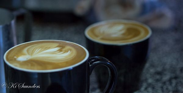 "L4M1AS3 The Business ""Cupcake Espresso"", ISO 200, 100mm, f/2.8, 1/50sec, AV mode, macro lens, handheld, manual focus, WB auto"