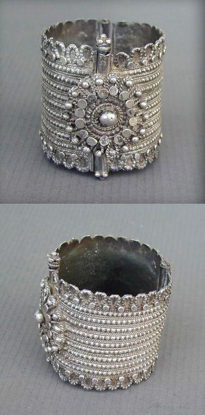 Northern Yemen | Old silver Bedouin hinged bracelet. Beautiful granulation and appliqués workmanship representing the renowned art of the Yemeni Jewish silversmiths.