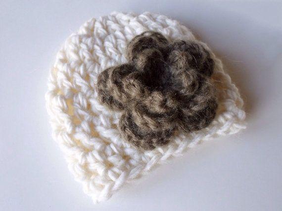 Cappellino Fiore Neonato Uncinetto Bianco shabby chic servizio fotografico Bambino cappello berretto regalo nascita classico bambina nonni on Etsy, €12,00