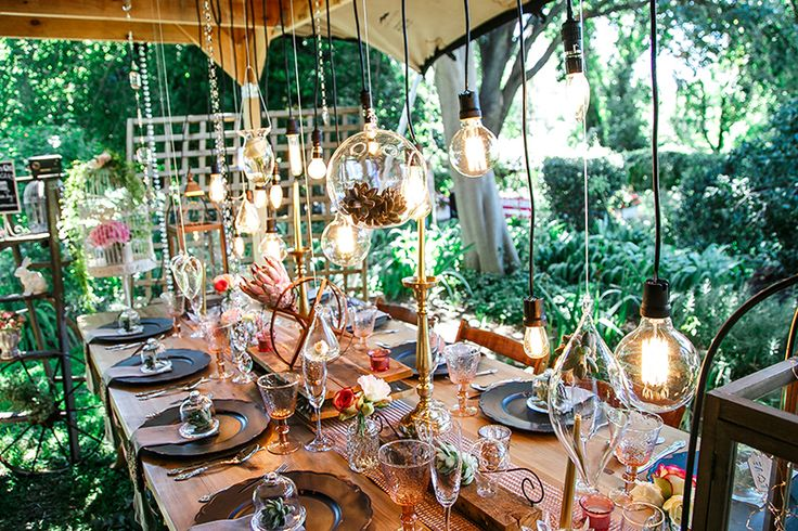 Wedding Table Styling, decor, flowers, shabby chic. Photo: Biamor Photography