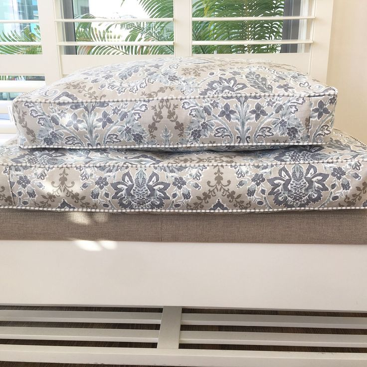 Hamptons inspired pet bed by lazytails.com