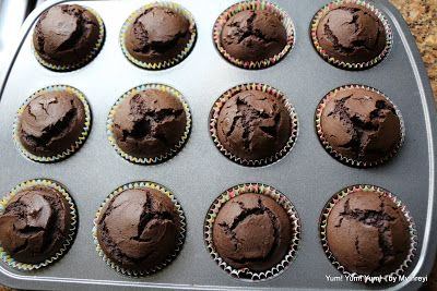 Vegan chocolate cupcakes...secret ingredient is Avocado. Some say banana works as well, but not sure about the taste either way. Gotta try this!