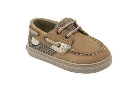 Just like what mom and dad wear, the classic and adorable Sperry Bluefish Prewalker boat shoe is a wardrobe staple for any occasion. Leather upperAuthentic boat shoe styling Padded collar... More Details