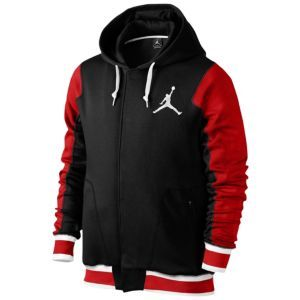Jordan The Varsity Hoodie 2.0 - Men's The Jordan The Varsity Hoodie 2.0 is a new variation of the varsity hoodie franchise. 305g fleece fabric provides temperature management and feels great on the body. Lined hood with a drawcord to block out the elements. Striped flat knit rib at the bottom hem and cuffs for a comfortable fit. Side pockets offer additional storage. Embroidered Jumpman design trademark. 100% cotton (10% organic). Imported. http://www.compraeneeuu.com/