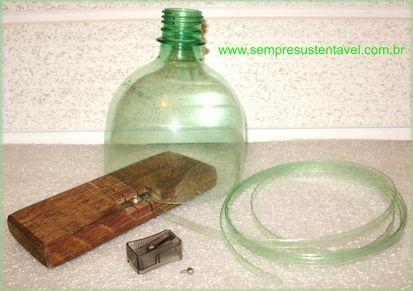 """costruire uno strumento per fare """"fili"""" di identica altezza dalle bottiglie di palstica - in spagnolo"""