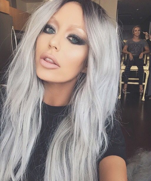 silver metallic hair on Aubrey O'Day   Superb.   need a blonde who will let me try this.
