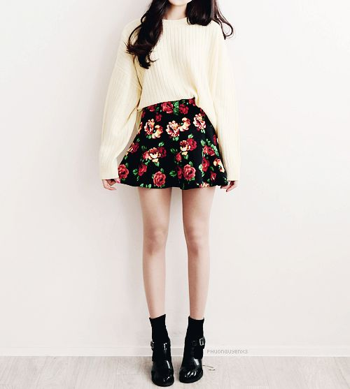Girl outfit korea korean asian style fashion teen tenage cool sneakers shoes college floral skirt