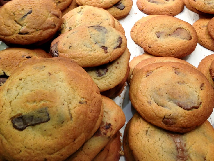 MIlk #chocolate chunk #cookies at Bens Cookies in #London. Photo by alphacityguides.