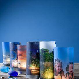 LA TUA FOTO NELLA LANTERNARealizza una lanterna da regalare con le fotografie: stampa le immagini che desideri su carta da lucido, poi inserisci l