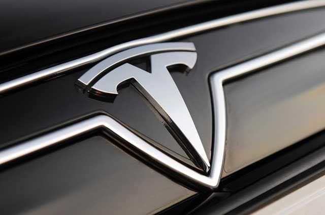 Tesla sigue ingresando dinero con la venta de Créditos de Emisiones de California