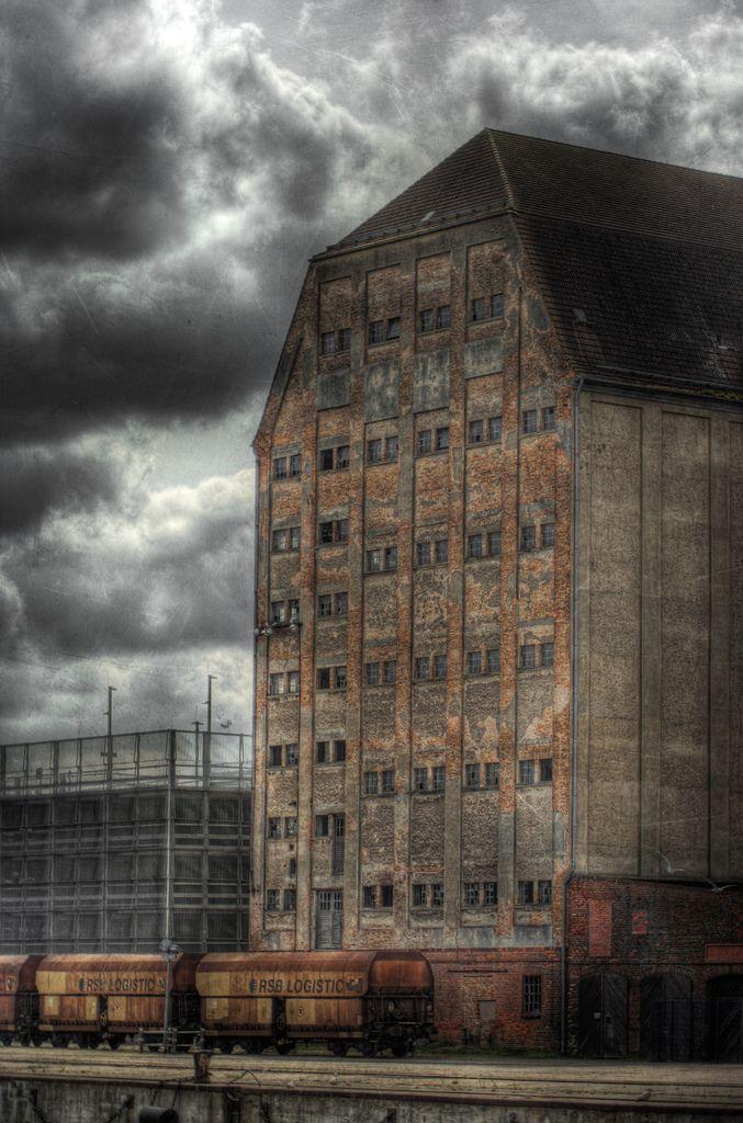 el almacén abandonado