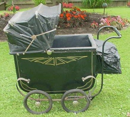 ANTIQUE VINTAGE BABY CARRIAGE