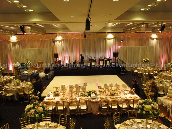 Jill Tim S Lighting And Décor Design Began With A Soft Elegant Ivory Fabric Backdrop At The Hotel Arista In Naperville Il