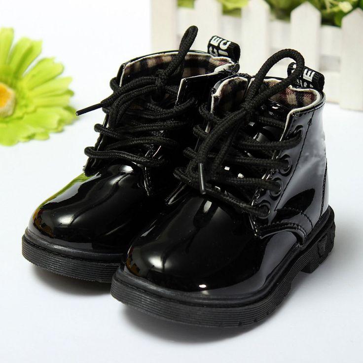 Резиновые детские ботинки