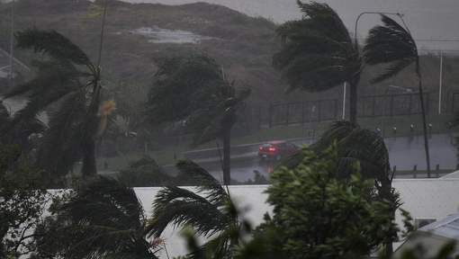 De inwoners van Nieuw-Zeeland werden deze ochtend  wakker met het nieuws  dat de 'cycloon Cook' minder schade gemaakt had dan verwacht. Weerstations voorspelden dat het de zwaarste storm kon worden sinds 1968 in het land, maar zware overstromingen, landverschuivingen en windschade kwamen niet.