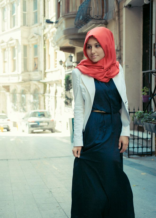 blue maxi, white blazer, coral #hijab -- perfection!