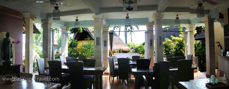 The downstairs restaurant takes great pride in being able to provide healthy and tasting dishes, such as; fresh salads, home-made detox juices, chai lattes, herbal teas, soups, curries, satays, and of course yummy desserts. Each dining experience is guaranteed to be an authentic and satisfying feast.