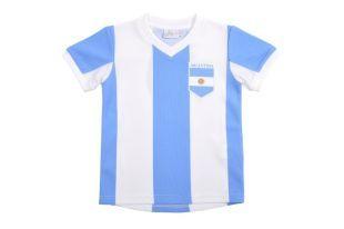 Ref.1140618 , Camiseta deportiva para niño, con franjas blancas y azul claro, y con el parche de Argentina. : Link :