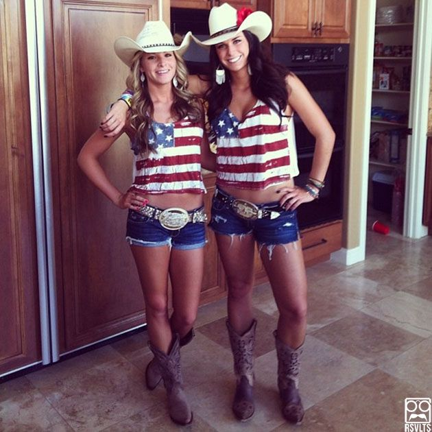 Love everything above the waist. The rest just looks a bit trashy. If you have a short shirt, you need to wear full length jeans. Murica-Stagecoach-Music-Festival-35.jpg (630×630)