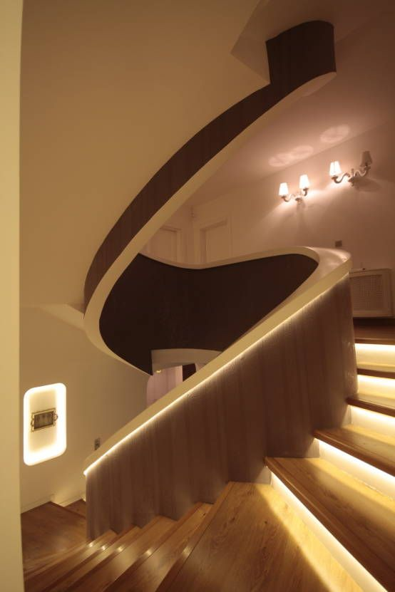 AHMET ASLI İLHAN EVİ : Modern Koridor, Hol & Merdivenler Deça Mimarlık