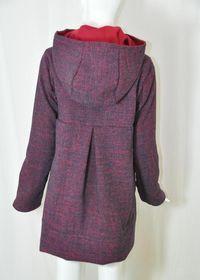 Wunderschöner Mantel Natsuma zum Nachnähen. Der Schnitt eignet sich für einen Herbst-, Winter oder Frühlings/Sommermantel. Einfach einen warmen, gut drapierbaren (d.h. faltbaren) Wollstoff für die...