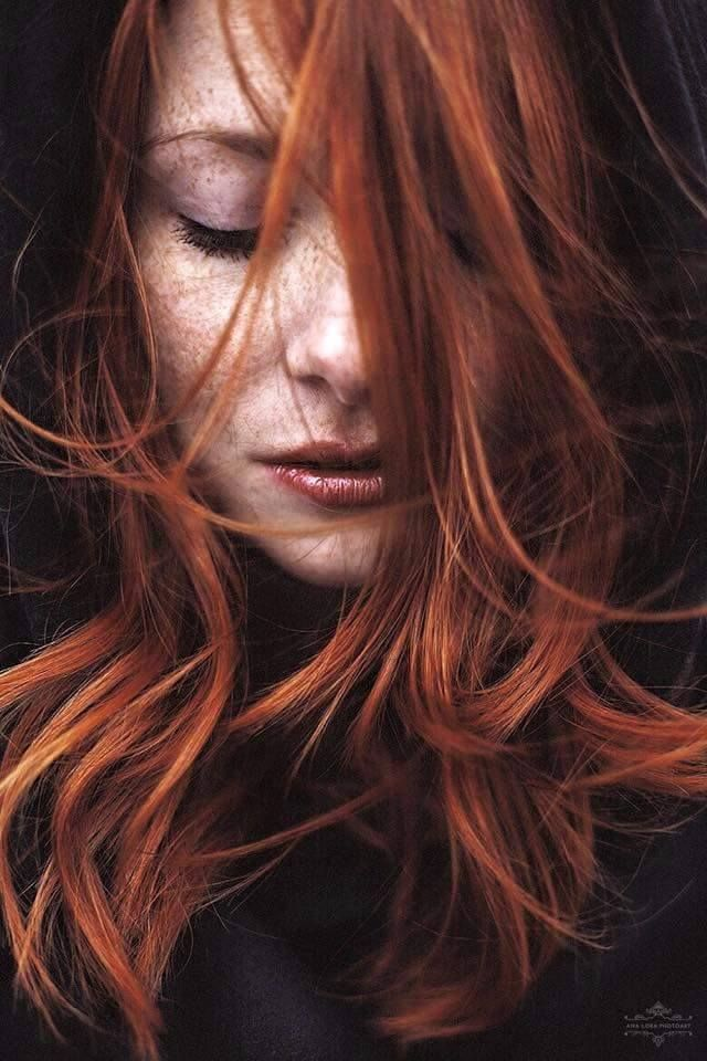 I want to be a girl, with a red hair, if possible. :)