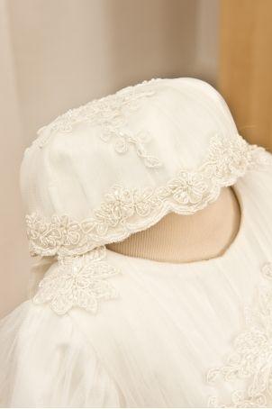 "Precious bonnet for little girls, matching the ""Little Angel"" dress.  http://www.petitecoco.ro/shop/en/home/45-little-angel-bonnet.html"