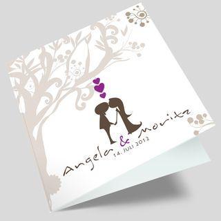Welch starke und liebevolle Symbolkraft! Der Baum des Lebens und ein küssendes Liebespaar darunter – diese Hochzeitskarte zieht alle Blicke auf sich.