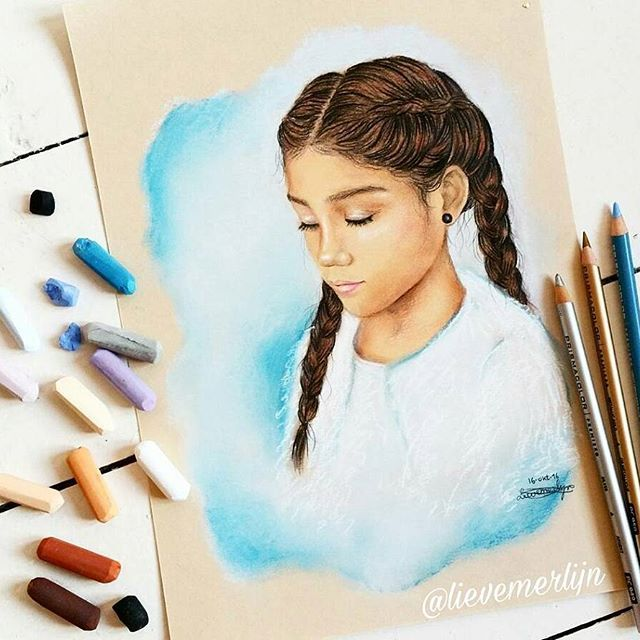 Goodmorning!  it's a new day, it's a new week . Here's a new drawing. #pastels #art #artshelp #arts_help #drawing #pencil #coloredpencil #carandache #vangogh #braids