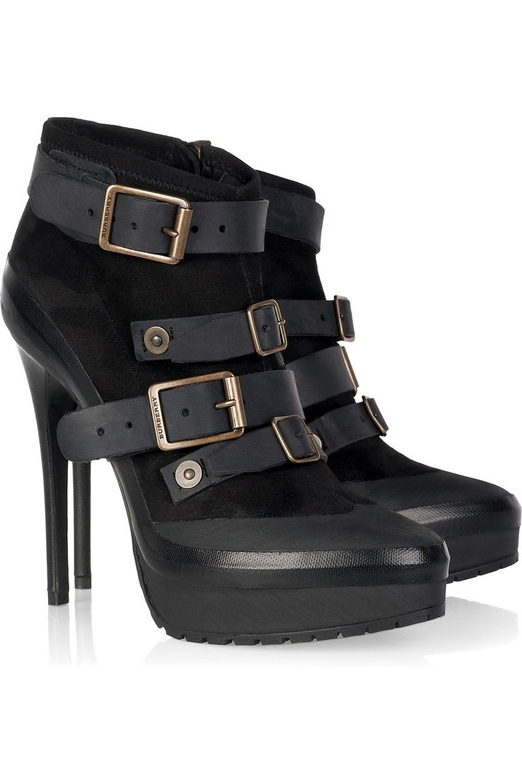 Burberry .... I love these boots