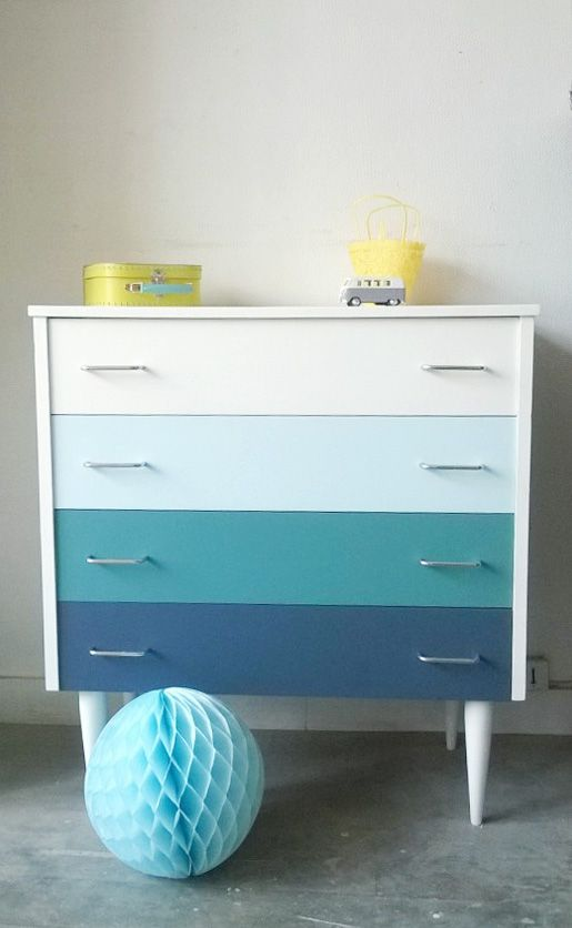 id e cama eu palette couleurs pour chiffonnier petite commode aux pieds fusel s des ann es 60. Black Bedroom Furniture Sets. Home Design Ideas