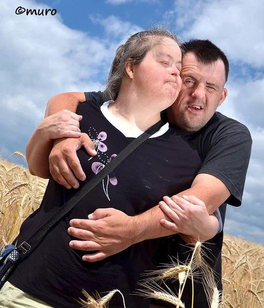 Dnes je aj Svetový deň Downovho syndrómu  - bol vyhlásený v roku 2006 na podnet organizácií Down Syndrome International a European Down Syndrome Association, pričom dátum je odvodený z čísel 3 a 21 - trizómia 21. chromozómu.