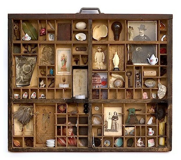 """French artist Marc Giai-Miniet creates incredibly detailed miniature boxes featuring multi-level structures, split apart to give us a fascinating view of what's going on inside. Cluttered yet still very organized, the series titled, """"Les boîtes"""" (The Boxes), includes dark, messy scenes inside laboratories, factories, libraries, and offices."""