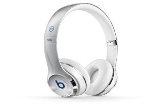 Engineered for comfort, the headphones deliver a custom-fit feeling so you can relax into your music. The flexible, curved headband and pivoting earcups complete the natural fit so can listen in ultimate comfort.  Check Out Dr Dre Beats Wireless Headphones. Free UK Delivery on Eligible Orders. More Info: http://www.loveheadphone.co.uk/dr-dre-beats-wireless-headphones.html